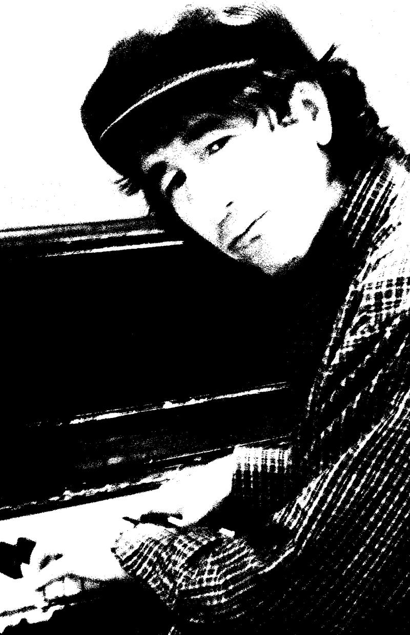 Hugh-piano-800